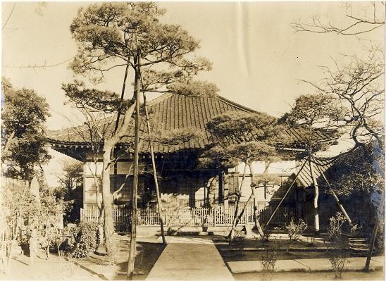 戦前の長光寺本堂。昭和20年、空襲により焼失。